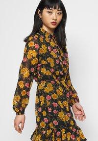 Pieces Petite - PCTHILDE DRESS - Shirt dress - black - 3