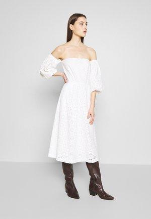 CASA - Korte jurk - white fog