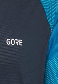Gore Wear - TRAIL - T-shirt imprimé - orbit blue/sphere blue - 2
