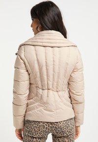 faina - Light jacket - champagner - 2