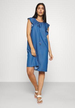 FLOATER SLEEVES DRESS - Robe en jean - light blue