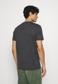 Lyle & Scott - MARLED - T-shirt - bas - jet black marl - 2