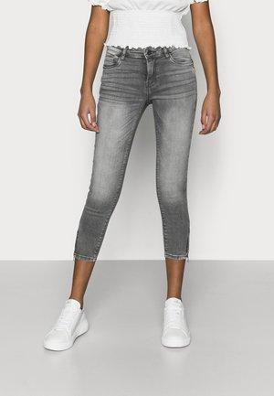 NMKIMMY - Skinny džíny - light grey denim