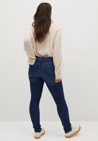 Violeta by Mango - SOFIA - Jeans Skinny Fit - dunkelblau - 2