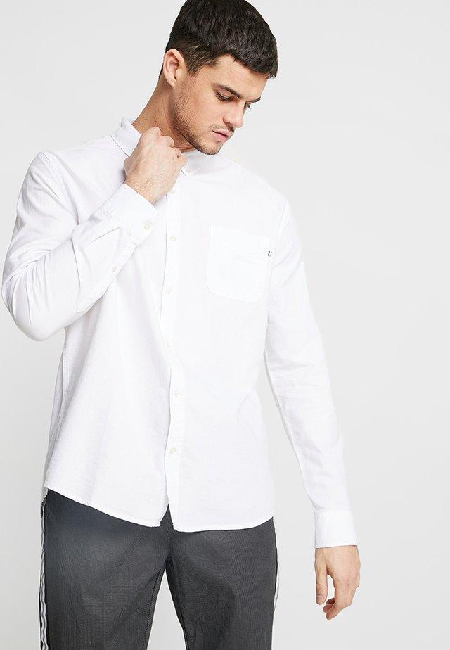 BRUNSWICK SLIM FIT - Shirt - white oxford