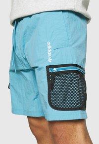 adidas Originals - UNISEX - Shorts - hazy blue - 5