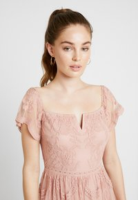 Honey Punch - OFF SHOULDER BARDOT DRESS - Maxi dress - blush - 3