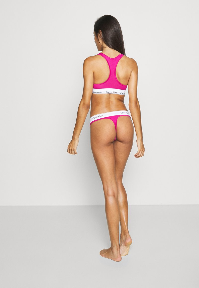 Calvin Klein Underwear - MODERN THONG - String - bright magenta