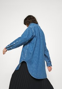 ARKET - SHIRT - Skjorta - mid blue wash - 3