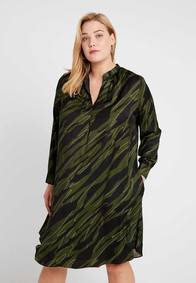CAMO PRINTED DRESS - Sukienka letnia - black