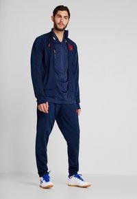 adidas Performance - FCB ICONS TEE - Klubbkläder - collegiate navy - 1