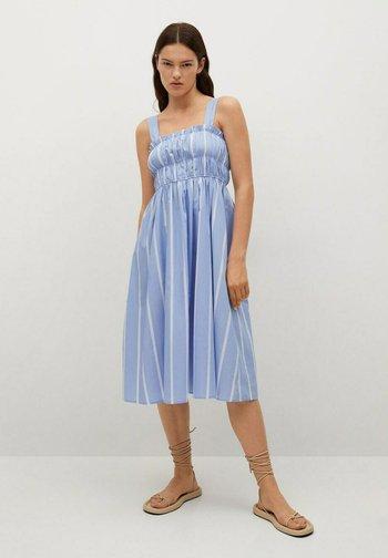 Vestido informal - azul celeste