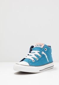 Converse - CHUCK TAYLOR ALL STAR STREET - Zapatillas altas - egyptian blue/bold mandarin - 2