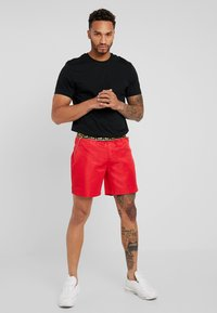 Glorious Gangsta - Tracksuit bottoms - red - 1