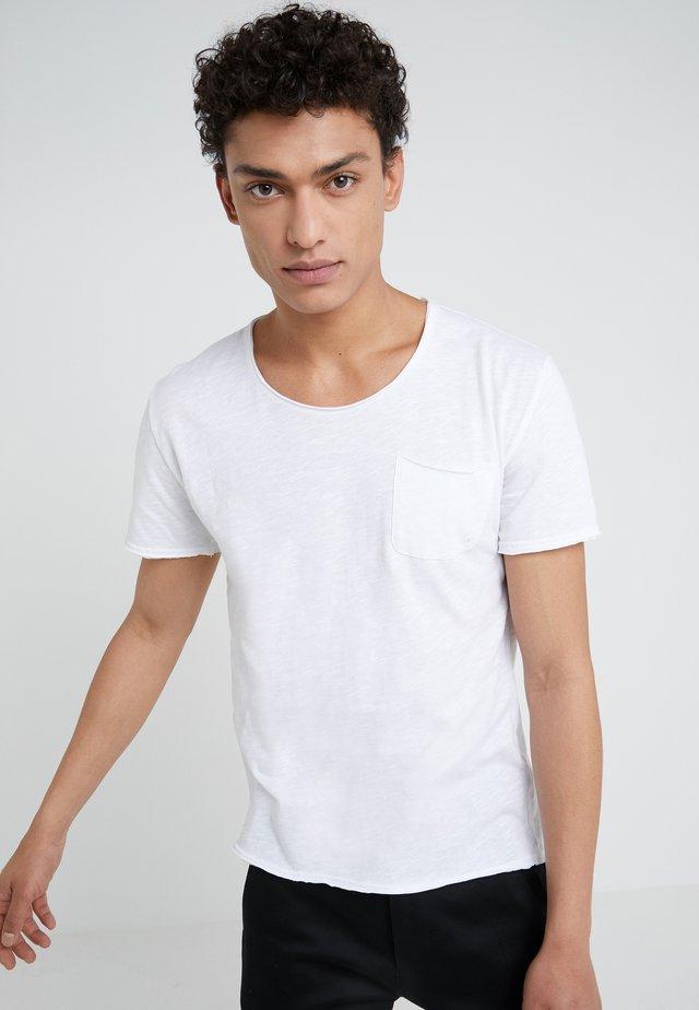 TEO - Basic T-shirt - weiß