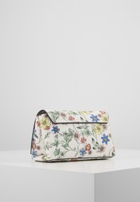 Guess - UPTOWN CHIC MINI XBODY FLAP - Borsa a tracolla - floral - 3