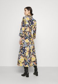 Pieces - PCROSITA 3/4 MIDI DRESS - Shirt dress - navy blazer/misty rose - 2