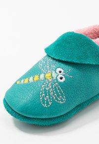 POLOLO - LIBELLE - First shoes - waikiki rose - 2