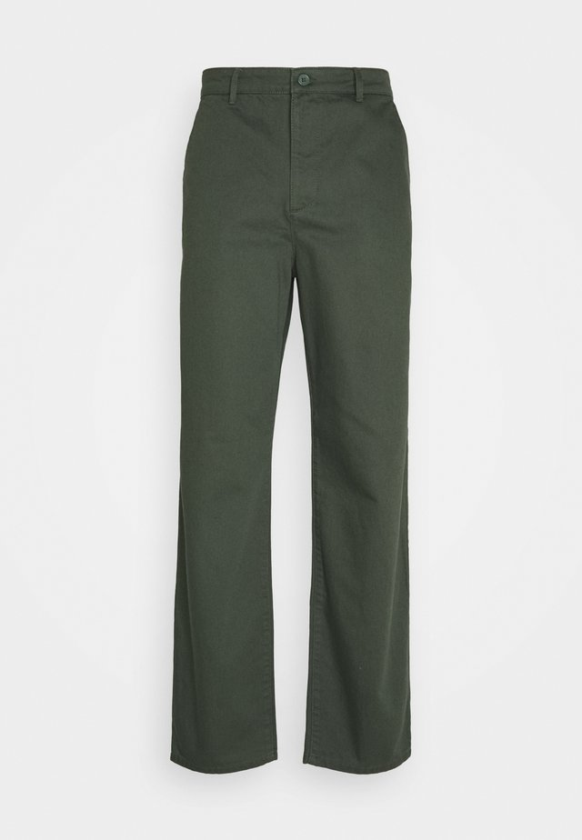 Byron Denton x NU-IN RELAXED FIT TAPERED PANTS - Bukser - green