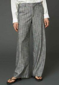 Hope - EASE  - Trousers - grey stripe - 0