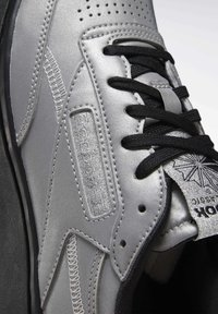 Reebok Classic - CLUB C DOUBLE - Trainers - silver - 8