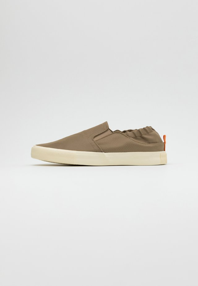 ALEXANDER - Slip-ons - taupe/offwhite