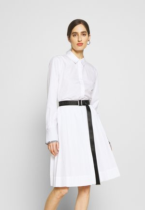 DRESS LOGO BELT - Shirt dress - white