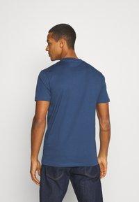 Minimum - AARHUS - Basic T-shirt - dark denim - 2