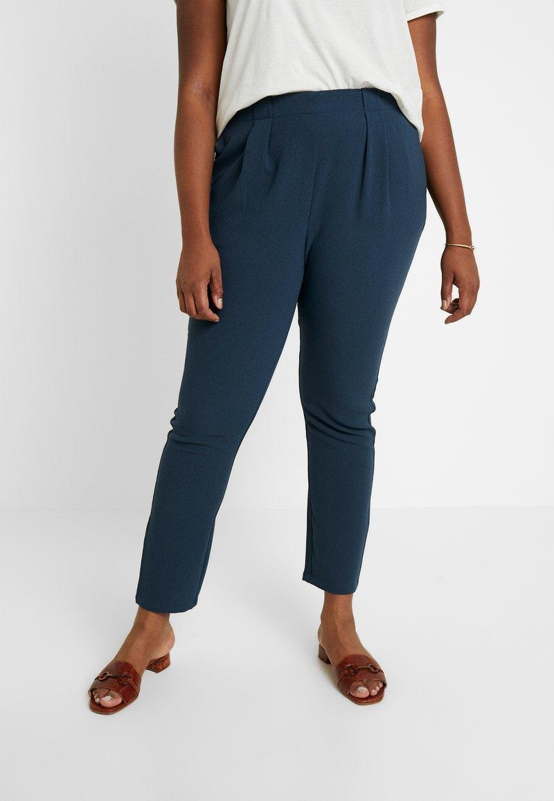 Vero Moda Curve - VMGOIA PANT - Kalhoty - midnight navy