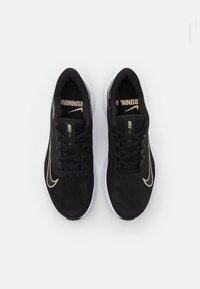 Nike Performance - QUEST 3 PRM - Neutral running shoes - black/metallic gold grain/iron grey - 3