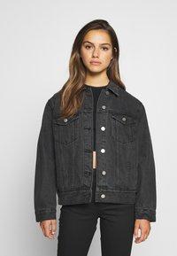 Missguided Petite - JACKET - Denim jacket - black - 0