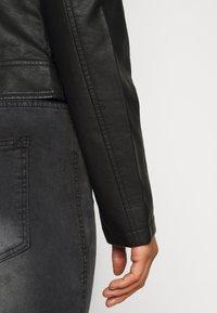 Vero Moda Petite - VMKHLOE  FAVO COATED JACKET PETITE - Faux leather jacket - black - 4