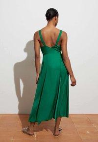 OYSHO - Denní šaty - evergreen - 3