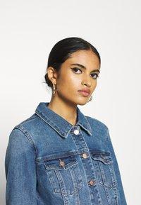 Vero Moda - VMFAITH JACKET  - Denim jacket - medium blue denim - 5