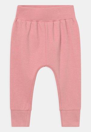 YOY BABY - Kalhoty - rose