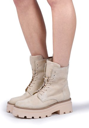 Lace-up ankle boots - panna