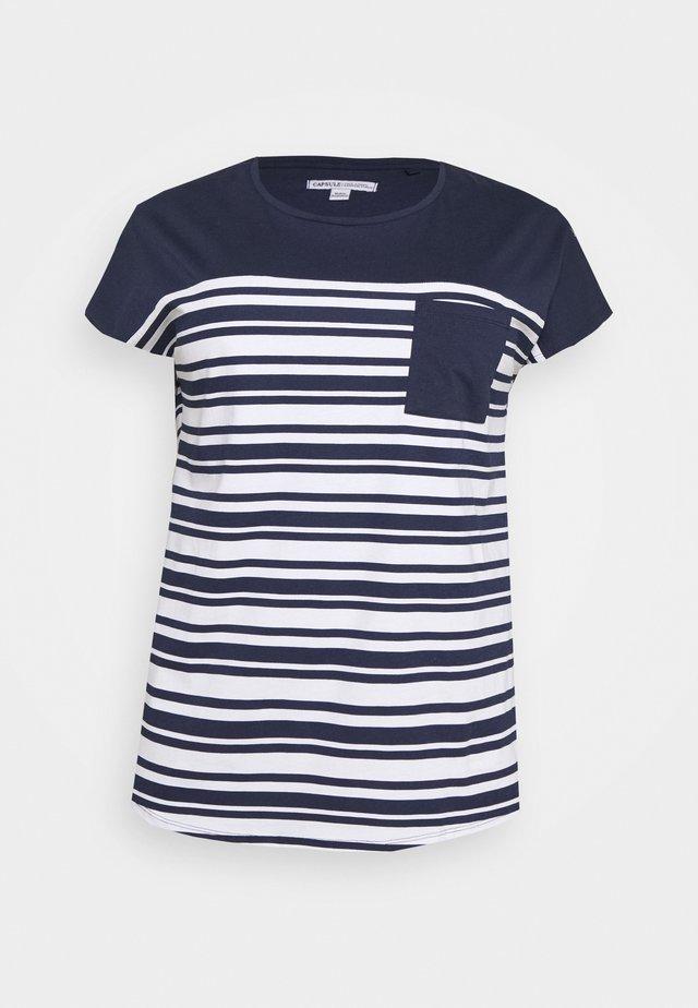 CURVED HEM TEE WITH BUTTON DETAIL - Camiseta estampada - black/ivory stripe