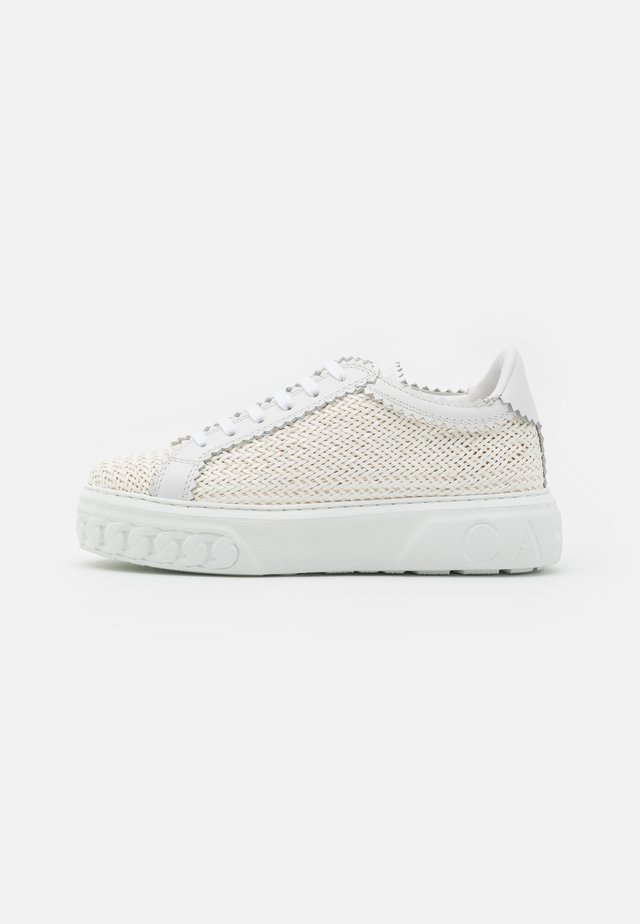 OFF-ROAD VERSILIA - Sneaker low - bianco