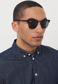 Ray-Ban - Sluneční brýle - black - 1