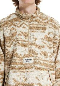 Reebok - CLASSIC WINTER ESCAPE REV - Sweatshirt - sand - 1