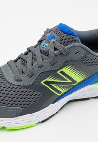 New Balance - YP680BL6 UNISEX - Neutral running shoes - grey - 5