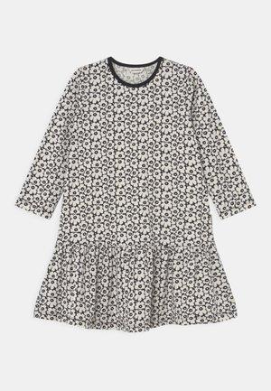 KULTARINTA PIKKUINEN UNIKKO - Jersey dress - black/off white
