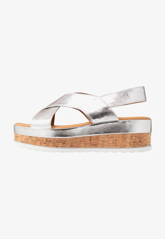 Sandalias con plataforma - silver