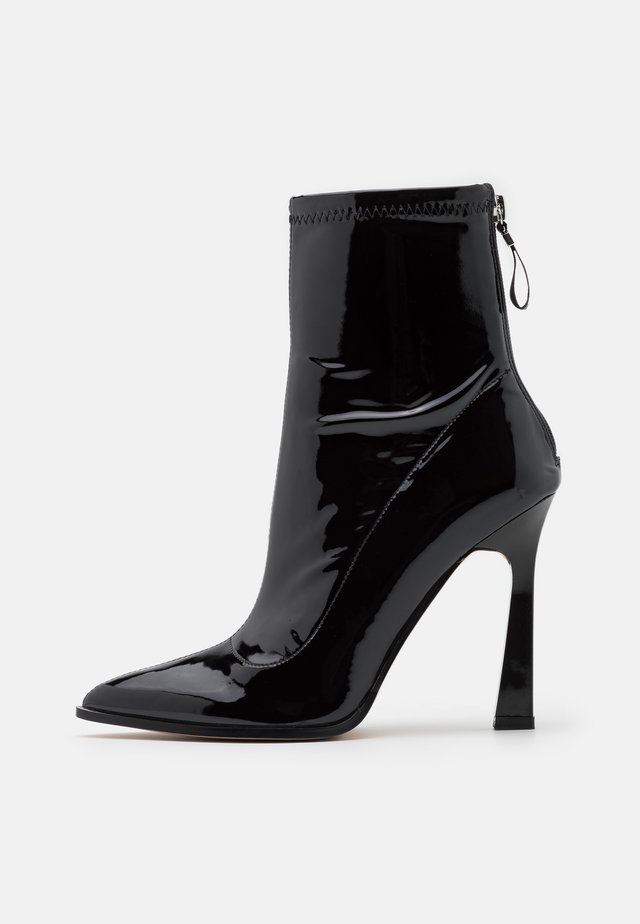 NAOMY - Classic ankle boots - black