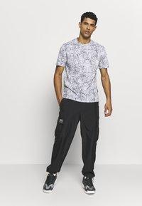 Zign - T-shirt z nadrukiem - grey - 1