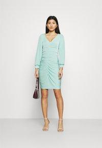 Closet - PLEATED FRONT PENCIL DRESS - Shift dress - mint - 1