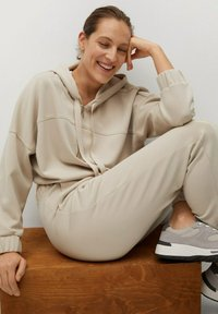 Mango - MONICA - Tracksuit bottoms - sable - 4