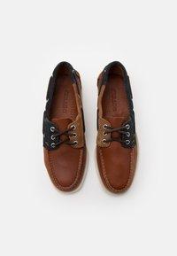 Sebago - PORTLAND THREE EYES  - Boat shoes - blue navy/cognac dark brown - 3