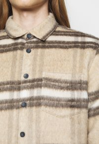 Libertine-Libertine - MIRACLE - Shirt - light brown - 5
