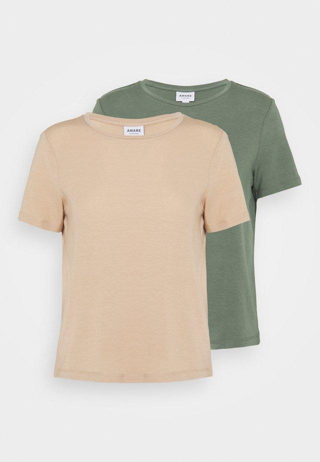 VMAVA 2 PACK - Basic T-shirt - laurel wreath